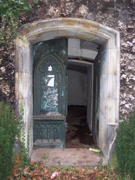 Bronzetür, Baron Ludwig Knoop, Waller Friedhof