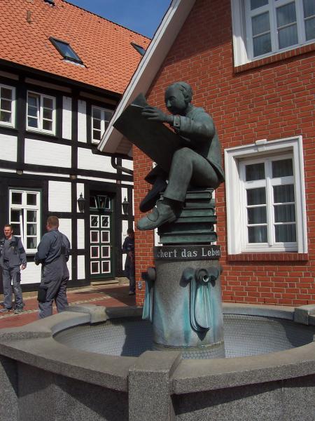 Bronzeskulptur Robert Enders, Sulingen