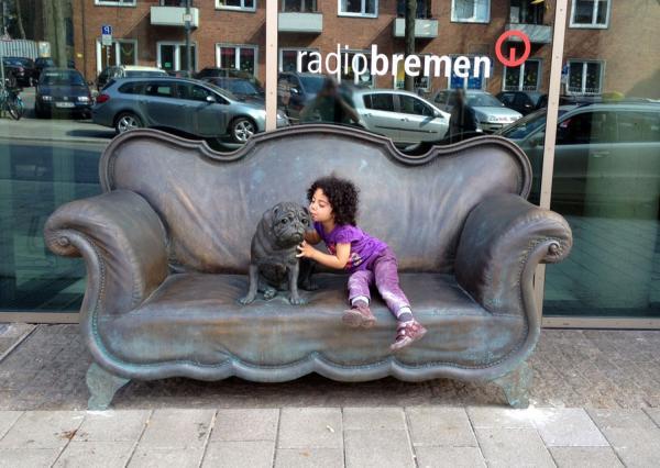 Bronzeskulptur Loriot für Radiobremen, Bronzeplastik, Sandguss, Wachsausschmelzverfahren